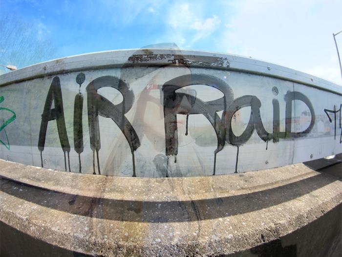 air-raid1