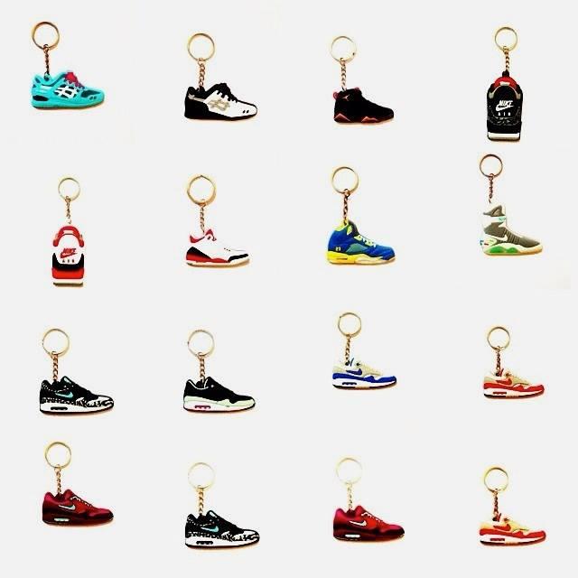 sneaker-keyring-charity